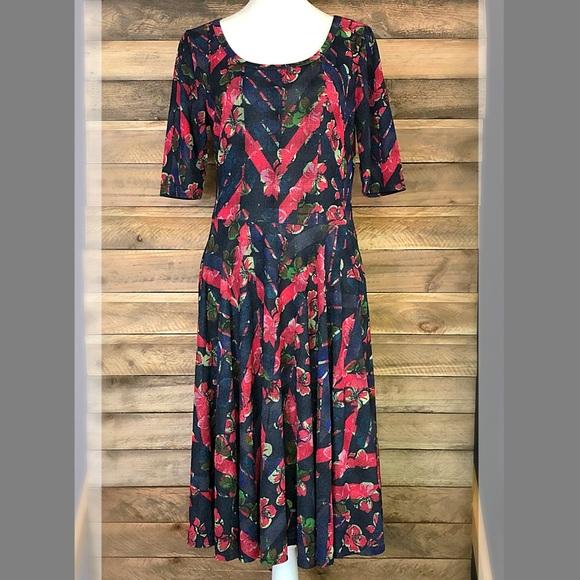 LuLaRoe Dresses & Skirts - LuLaRoe Nicole floral print dress